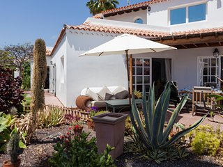 Villa Madreselva,  Detached villa with private heated pool, only 50m to the sea