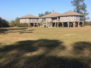 Edisto Endless Views -- Deep Water Dock and 40 acres of property, Isla de Edisto