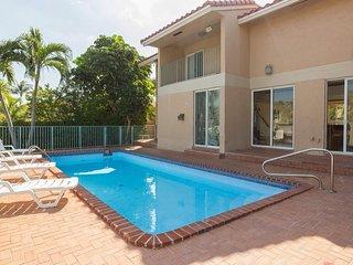 Villa Crislene - Gorgeous Views of Miami Waterway, North Miami Beach