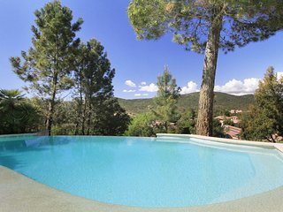 2 bedroom Villa in Montauroux, Provence, France : ref 2255555