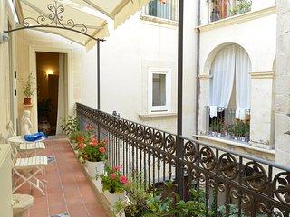 'Casa D'Alleri' il fascino di una dimora storica in 'Ortigia' Camera Tripla