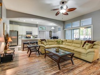 Spacious home near the beach w/ yard & updgraded kitchen - snowbirds welcome!
