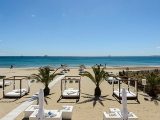 IBIZA - Bora Bora Sea View-Apartment next to Ushuaia, HRH, Playa d'en Bossa-