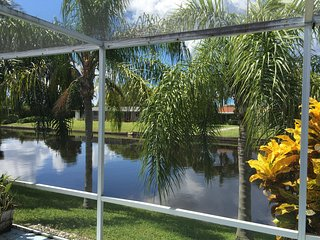 Waterfront 3/2,Yacht Club Pet Friendly Home, Cape Coral