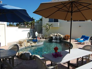 Pescadero Palace 2BR Guest House w/pool, Jacuzzi, and kitchen, El Pescadero