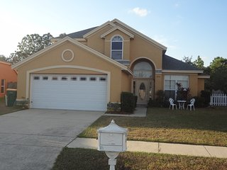 Fabulous Large 4 bedrooms Regal Villa With Fantastic Pool & Internet & 3D TV, Kissimmee