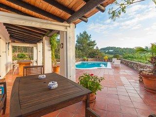 Villa Lemon - Bonita casa estilo tipico ibicenco situada en una pequena colina.