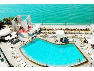 sleep 8 perfect luxury suite in South Beach, Miami Beach