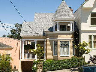 Upscale Beautiful Victorian with Fabulous Views of the City and Bay, San Francisco
