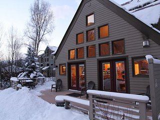 Viking Lodge 100AB - Private Home Feel, 900sf Private Deck, Steps To Slopes., Telluride