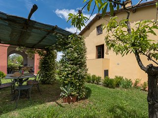 Beautiful ground floor apartment with shared swimming pool, apt. #3, Montagnana Val di Pesa