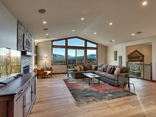 Captivating Mountain Views from this Luxury Tahoe Home (AH02), South Lake Tahoe