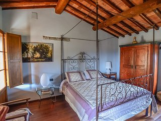 Villa The Magic Garden with pool, Siena
