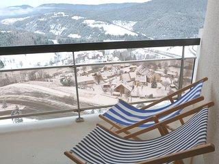 Studio au pied des pistes avec balcon sud ouest et casier a skis