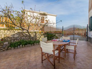 Il Pesco - Independent family apartment, Metrano