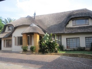 All over Africa bed and breakfast., Kempton Park