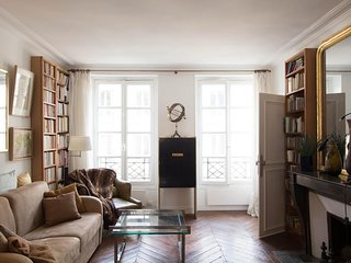 Apartment 909 m from the center of Paris with Garden (458899)