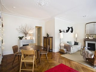 Apartment 877 m from the center of Paris (458900)