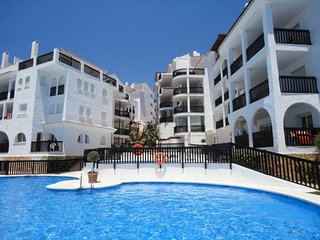 APARTAMENTO A PIE DE PLAYA CON PARKING, Sitio de Calahonda