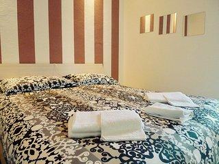 13 Family.3 Cozy Apartment 3 King Bedroom + 2 bathroom, Bolonia