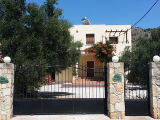Villa Angelos with private gated pool