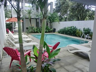 Casa Blanca - Boutique Condo, 3 Minute to Beach, Playa Potrero