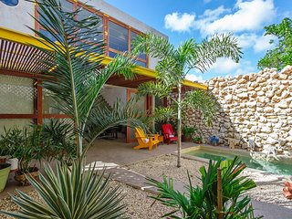 Hip, contemporary retreat for couples, families, Merida
