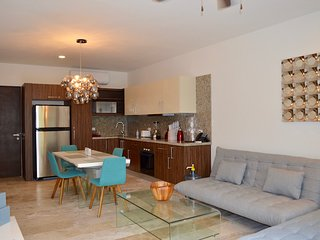 Modern and new 1 bedroom condo in downtown Playa