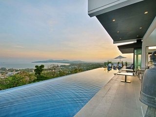 Luxury Villa with Amazing Sea View