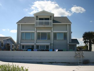 907NA -  Direct Oceanfront - Great for Large Families
