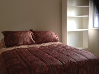 Apartment walking distance to public transportation, restaurants, Italian deli,.