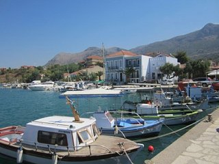 LEFKADA / Palairos Sea Front House Sleeps 4