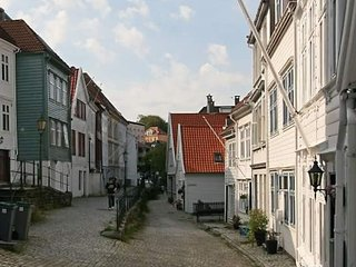 Top location in beautiful street., Bergen
