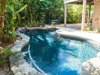 Gulf Breeze: Pet-Friendly Private Pool Home Just Steps from Beach!