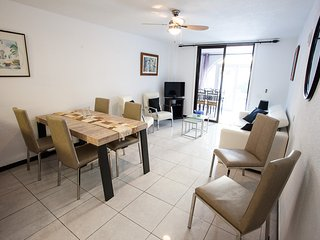 Parque Santiago 2: Spacious 2 Bed Duplex / sleeps 4