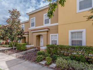 Cozy Vida, Stunning Townhouse Rental in Kissimmee