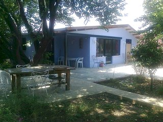 gardenhouse privat ideal for family near beach bay, 40km from Athens center