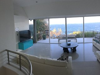 Absolute waterfront house, Maroubra