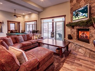 The Deer Mountain - Spacious 5BR, Epic Mountain Views