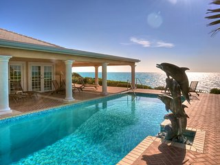 Luxury 9 bedroom Turks and Caicos villa. Beachfront yet private!, Middle Caicos
