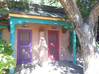 Wagner A - Unique One Bedroom Casitas - Steps from the Taos Plaza