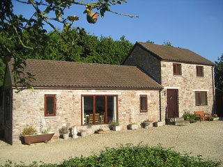 Wibdon Barn - Your Home with a Pool, Forest of Dean