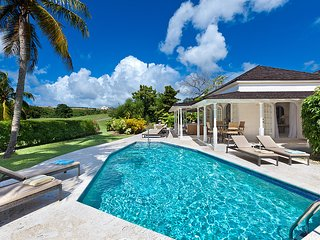 Caribbean Casas: Spacious Villa Longa up to 8 guests, just 2.5km to the beach!