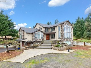 Dudley's Retreat: Gorgeous New PNW Craftsman Home With 5beds/4.5baths