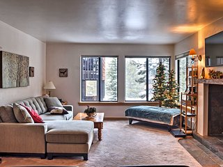 Cozy Condo Steps to Tahoe Donner Ski Lift+Hot Tub!