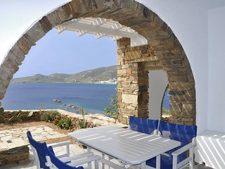 House by the sea in Tinos (A-2bdr) - Stavros Bay, Tinos Town