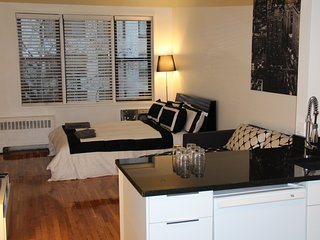 UES renovated studio, Ciudad de Long Island