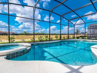 Ultimate 10 Bedroom Pool Home - Providence
