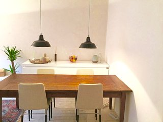 Sunny ground floor apartment with large garden, Amsterdam