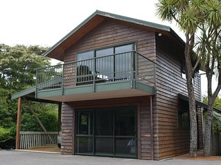 Treetops Cottage, Whitianga